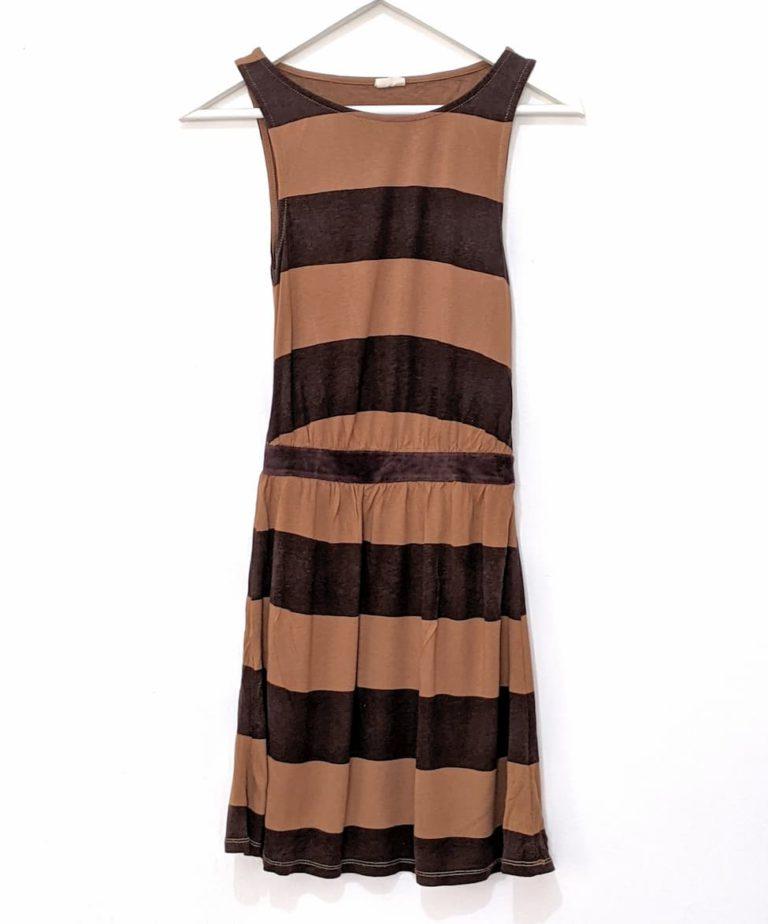 שמלה מתאימה למלתחה מינימליסטית